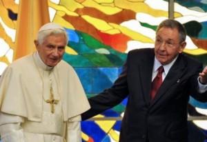 بابا الفاتيكان يلتقي الرئيس الكوبي في قصر الثورة بهافانا