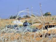 جندي تركي أثناء دورية على الحدود التركية السورية (الفرنسية)