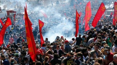 اعتقال ألف شخص في تظاهرات غير مسبوقة ضد أردوغان