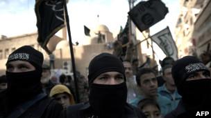 كثرة الإسلاميين المتشددين في صفوف المعارضة السورية يقلق الغرب