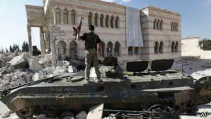 يسيطر المقاتلون الإسلاميون على مساحات واسعة شرق وشمال سوريا