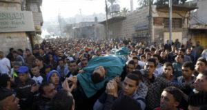 يقول مسؤولون فلسطينيون قبل مقتل الفلسطينيين الأربعة السبت إن القوات الإسرائيلية قتلت 57 فلسطينيا وجرحت نحو 900 آخرين منذ بدء المفاوضات
