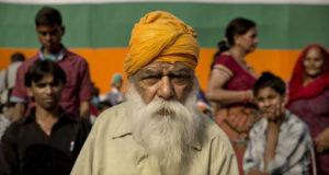 استطلاعات الرأي ترجح كفة القوميين الهندوس