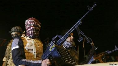 سحب الحرب الأهلية تخيم علي ليبيا بسبب الصراع بين الميليشيات المسلحة.