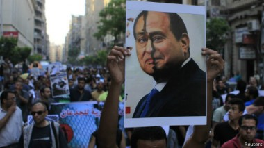 معارضون مصريون يرون السيسي امتدادا لحقبة الرئيس السابق حسني مبارك.