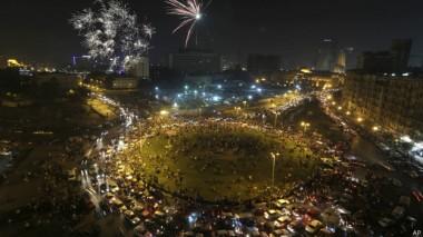 ميدان التحرير استقبل أنصار السيسي بمجرد البدء في إعلان النتائج في وقت متأخر من مساء الأربعاء.