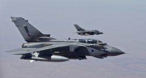"""الطيران البريطاني يشن أولى غاراته ضد مواقع """"داعش"""" في العراق"""