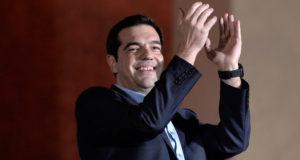 """أليكسيس تسيبراس زعيم تحالف اليسار الراديكالي """"سيريزا"""" الفائز بالانتخابات اليونانية"""