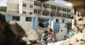 معاناة سكان غزة بعد تدمير منازلهم