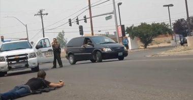 فيديو يفضح عنصرية رجال الشرطة في أمريكا