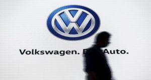 """""""فولكسفاغن"""" تعتزم إطلاق سيارات اقتصادية عام 2018"""