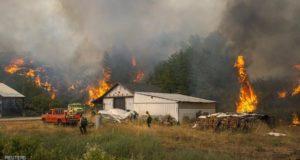 .الرياح تعيق من جهود مكافحة الحرائق في مناطق شمال غرب الولايات المتحدة