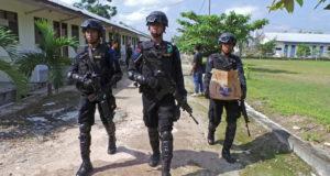 عناصر أمن في إندونيسيا
