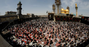"""الزوار يتحدون """"داعش"""" في ذكرى وفاة الإمام الكاظم"""