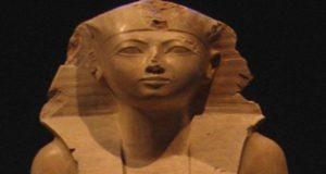 """""""حتشبسوت"""" الملكة التي حولها المصريون إلى ذكر!"""