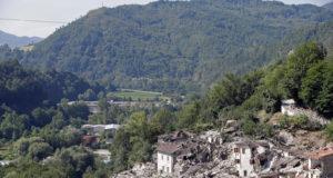 مبان مدمرة بقرية بيسكارا ديل ترونتو جراء الزلزال الذي ضرب إيطاليا ليلة 23 إلى 24 أغسطس/آب