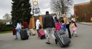 ألمانيا تتوقع قدوم نحو 400 ألف لاجئ في العام الجاري