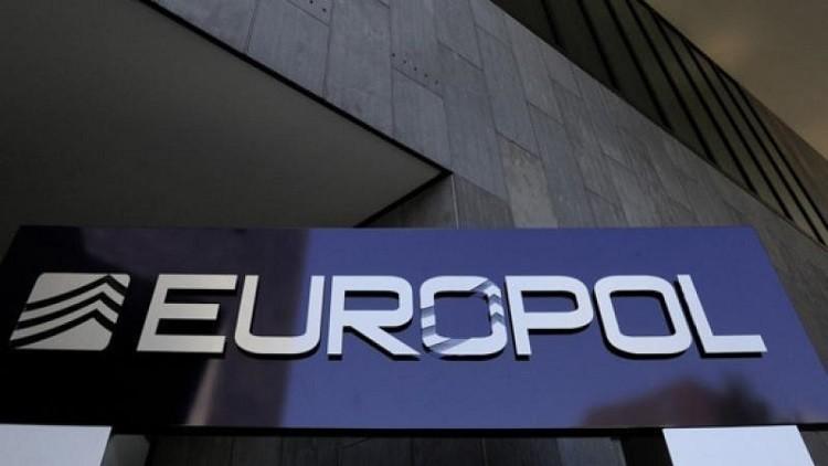 """يوروبول: """"داعش"""" يحاول التسلل إلى أوروبا بجوازات سورية مزيفة"""
