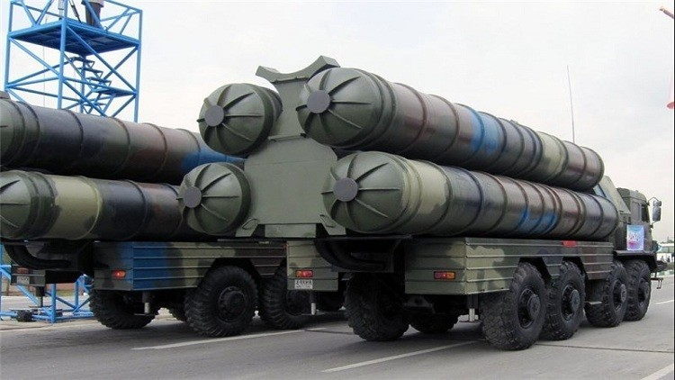 """طهران تعرض """"إس-300"""" من """"صنعها"""""""