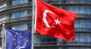 مفوض أوروبي: تركيا أردوغان لن تنضم للاتحاد