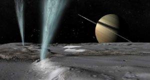 سحابة من الجليد على قمر كوكب زحل