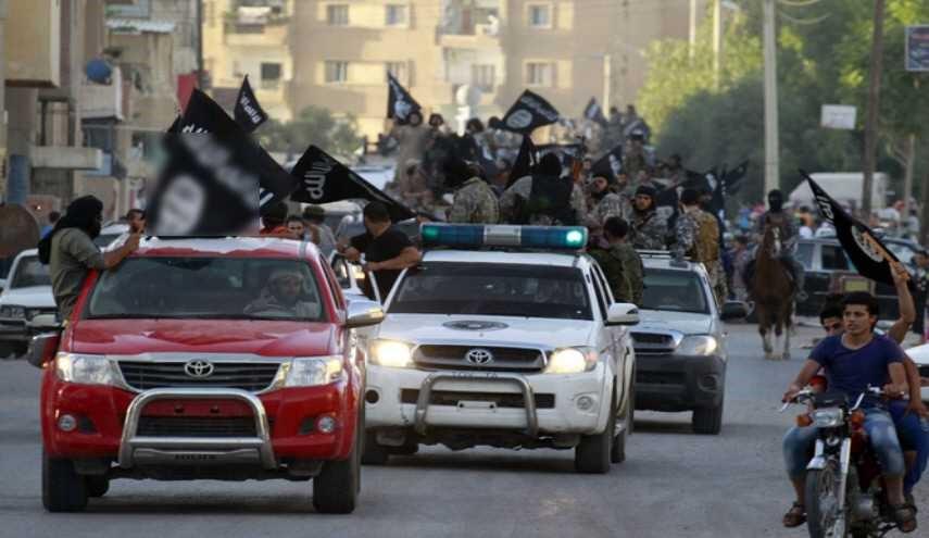 """ما هي الدول التي اشترت آلاف السيارات من تويوتا وسلمتها لـ""""داعش""""؟"""