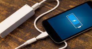 لعلماء يطورون بطارية هاتف جديدة تُشحن خلال ثوان