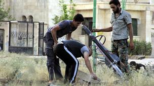 ناشطون سوريون: اشتداد القتال قرب مطار حلب الدولي