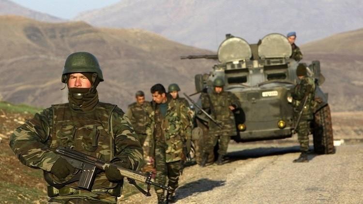 صورة اعتقال قيادات عسكرية كبيرة في تركيا