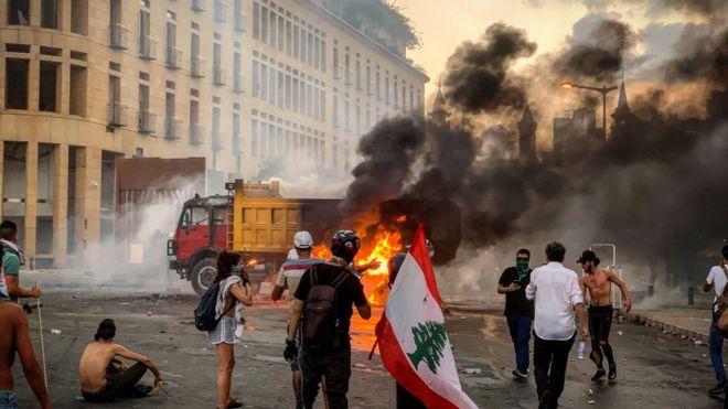 صورة انفجار بيروت: مطالبات بتغيير دائم في لبنان – الغارديان