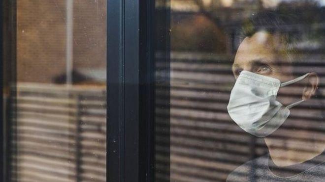 """صورة فيروس كورونا: فحوص كشف كوفيد-19 """"قد تلتقط فيروسات ميتة"""""""