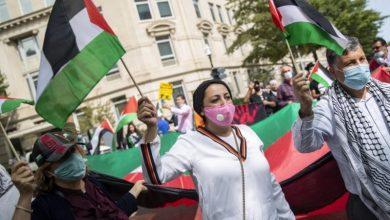 """صورة التطبيع: اتفاق إسرائيل والإمارات """"صفقة تجارية لا علاقة لها بالسلام"""""""